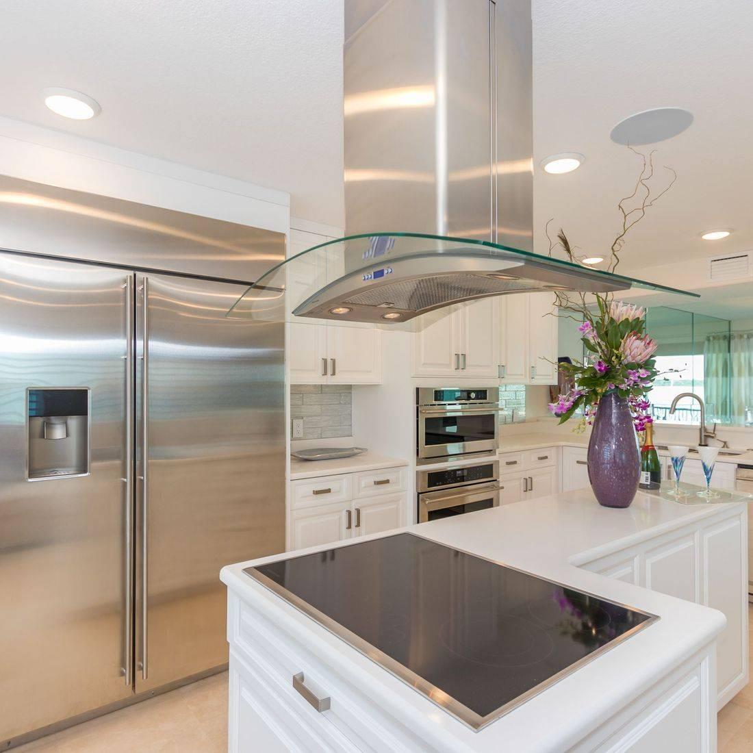 Contemporary Kitchen, motorized shades