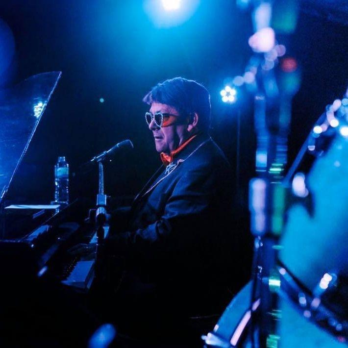 "Elton John Tribute act  Andy Crosbie  Rocketman !!!"""""""