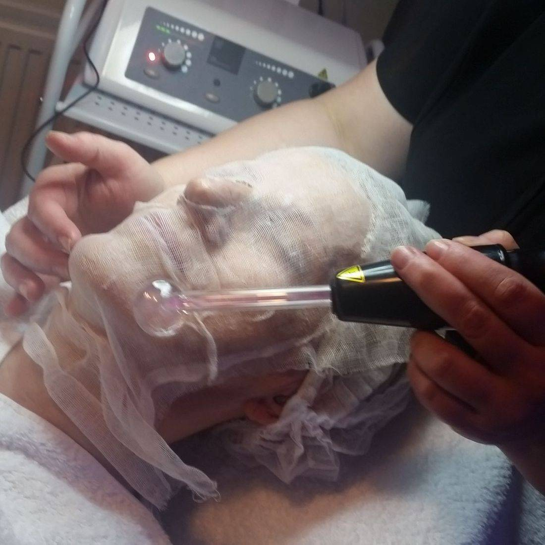 high frequency step in galvanic iontophoresis facial treatment
