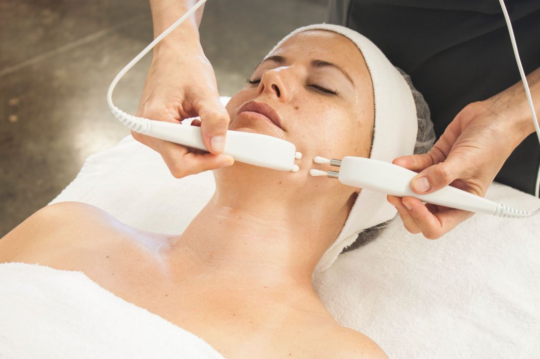 non surgical facelift caci microcurrent facial BT Nano