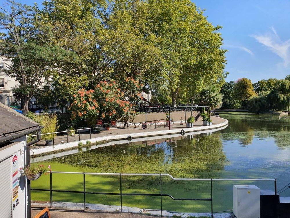 family friendly walks in london ,romantic walks in london ,romantic london ,robert browning, browning's pool ,little venice london, british & far east traders