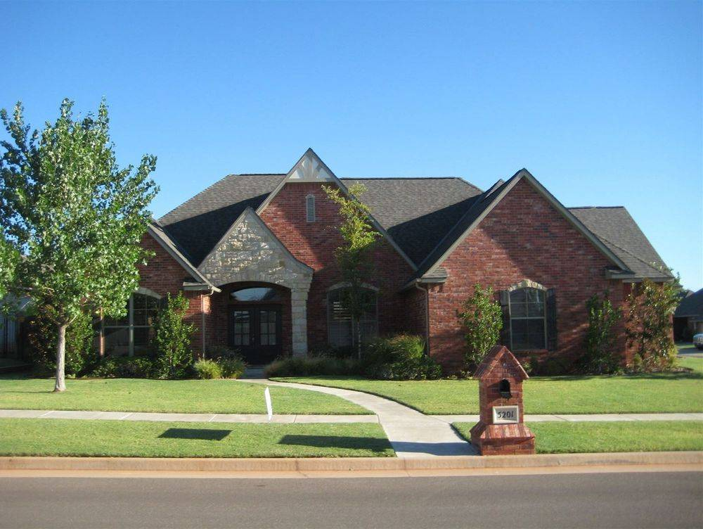 New Roof Inspection, Four Point Inspection: A&D Home Inspection found many issues. Git it inspected!