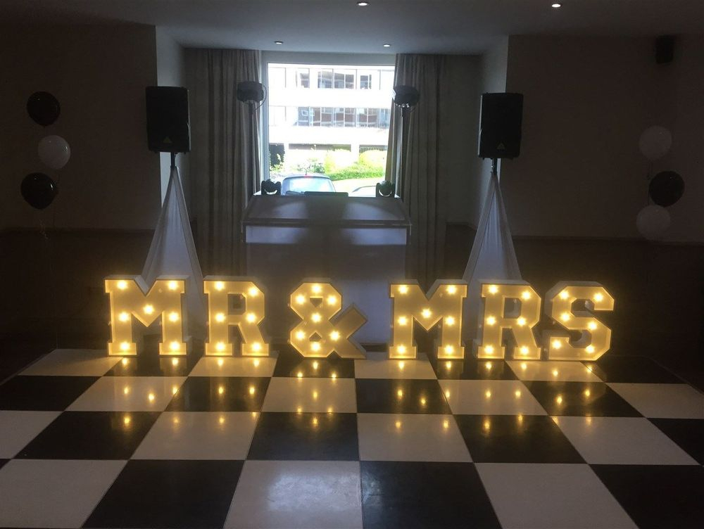 Wedding DJ in Altrincham - Glynn Tee - Cresta Court Hotel, Altrincham