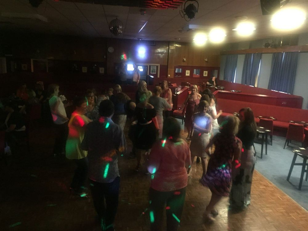 Mobile Disco and DJ in Bolton - Glynn Tee - Professional Premium DJ and Master of Ceremonies - Southport, Lancashire