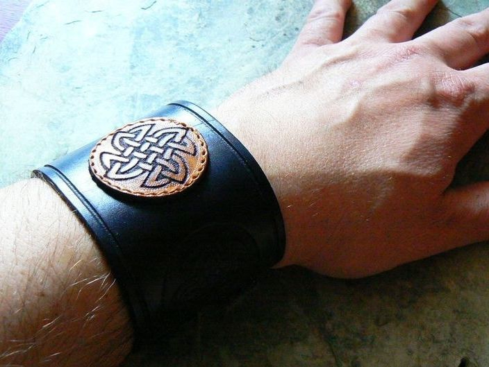 Celtic Spiral, Leather Cuff, Leather Bracelet, Celts, Celtic, Irish, Shield Ravens