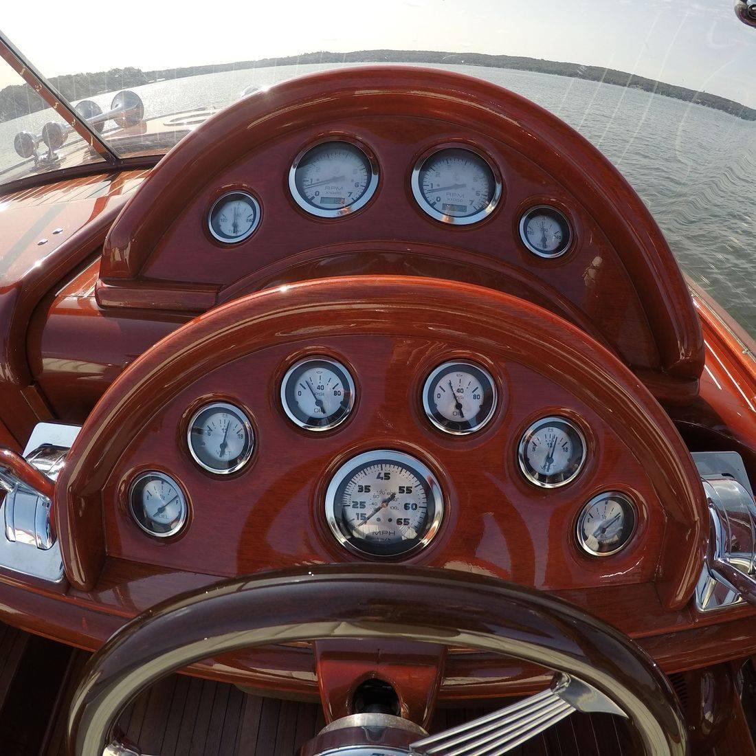 mahogany dash on 27' shepherd boat