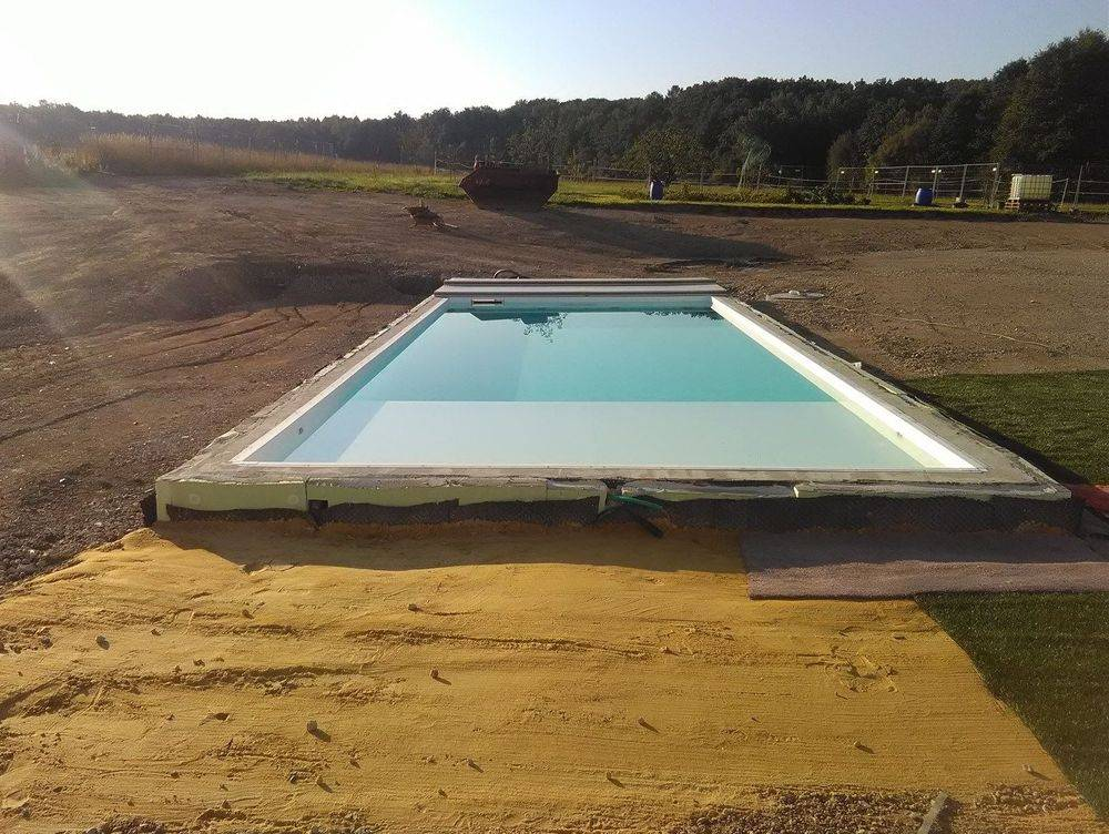 Pool, Poolbau, Bagger, Containerdienst, Erdaushub, Filteranlage, Baubetreuung Zwickau, Baufirma, Michael Schöpe, Bauunternehmen