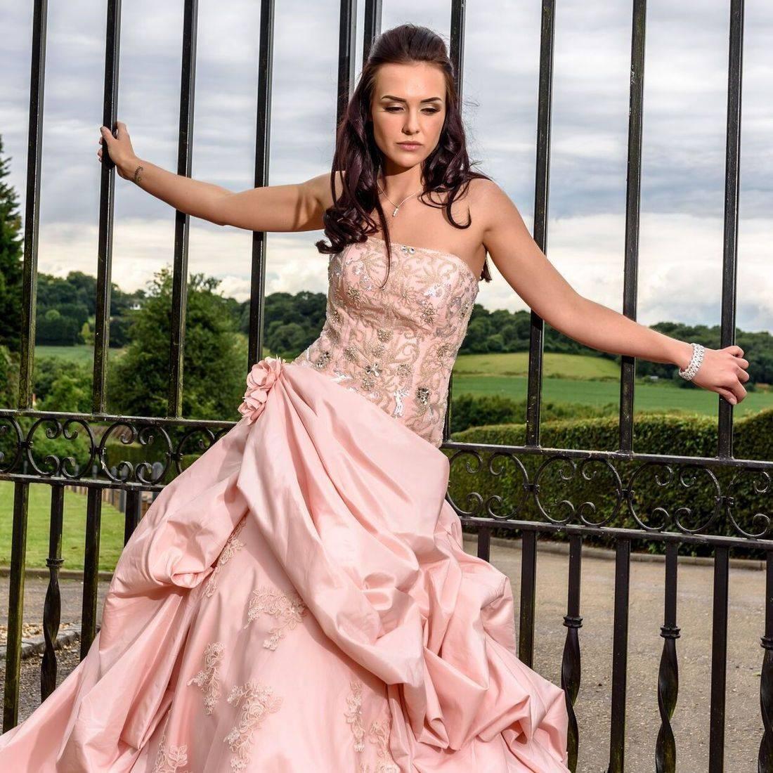 side elongated wedding dress, mori lee, lace wedding dress, big wedding dress,