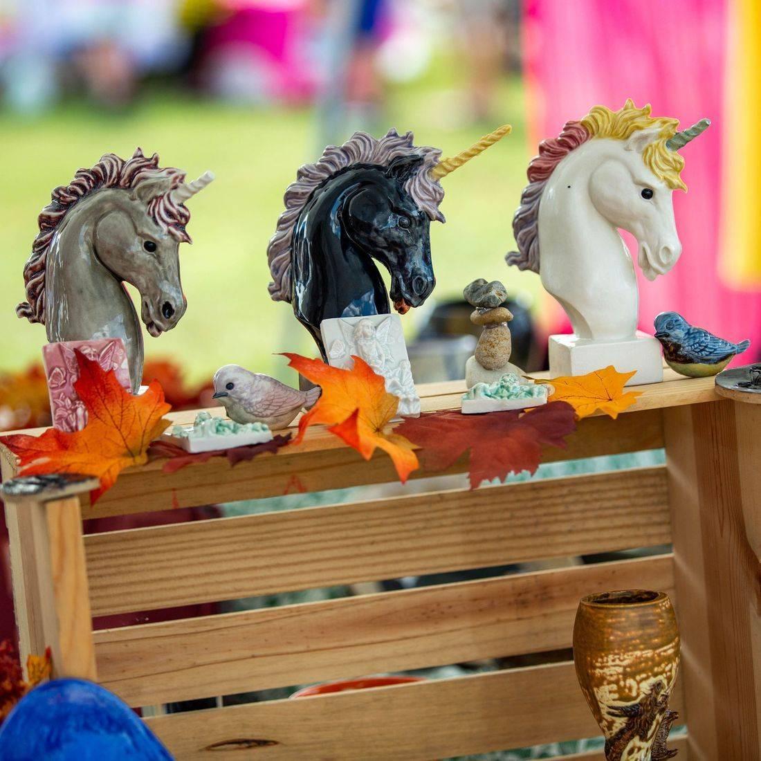 horse, horse sculpture, unicorn, unicorn sculpture