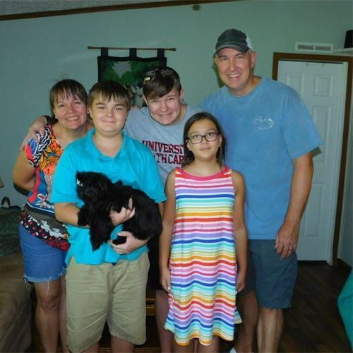 THE SMITH FAMILY WITH LUCY