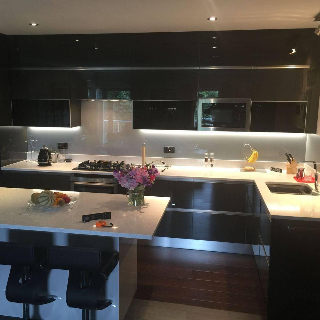 Black High Gloss Kitchen Quartz Worktops
