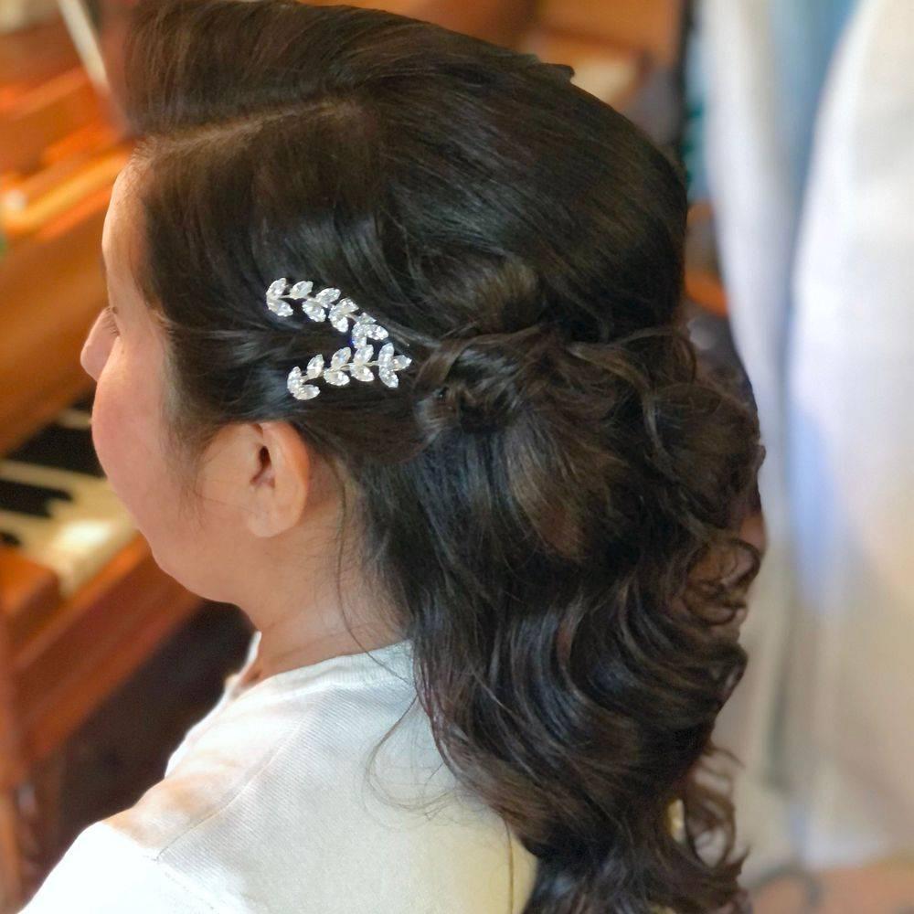 Floral pin up hair