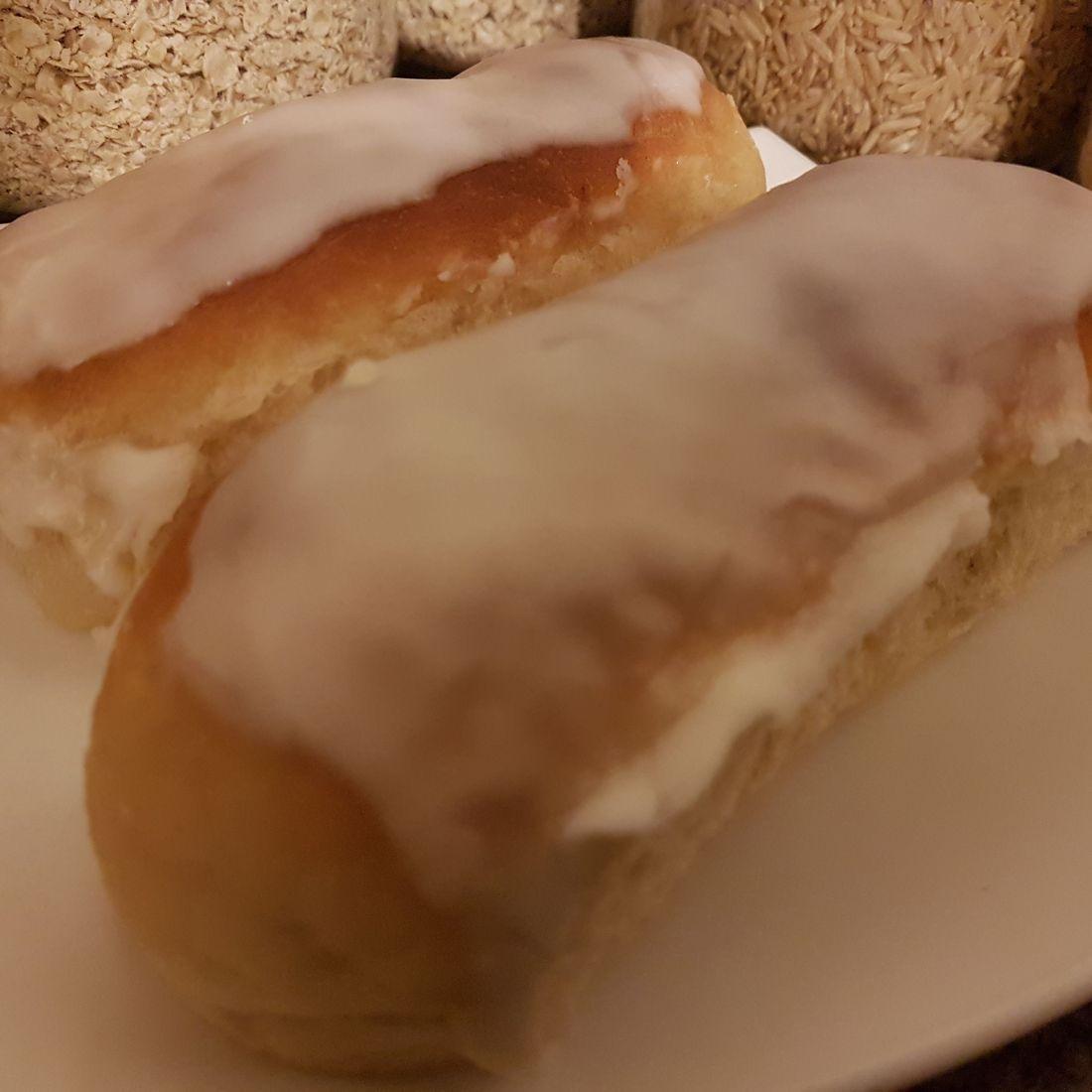 Vegan iced buns