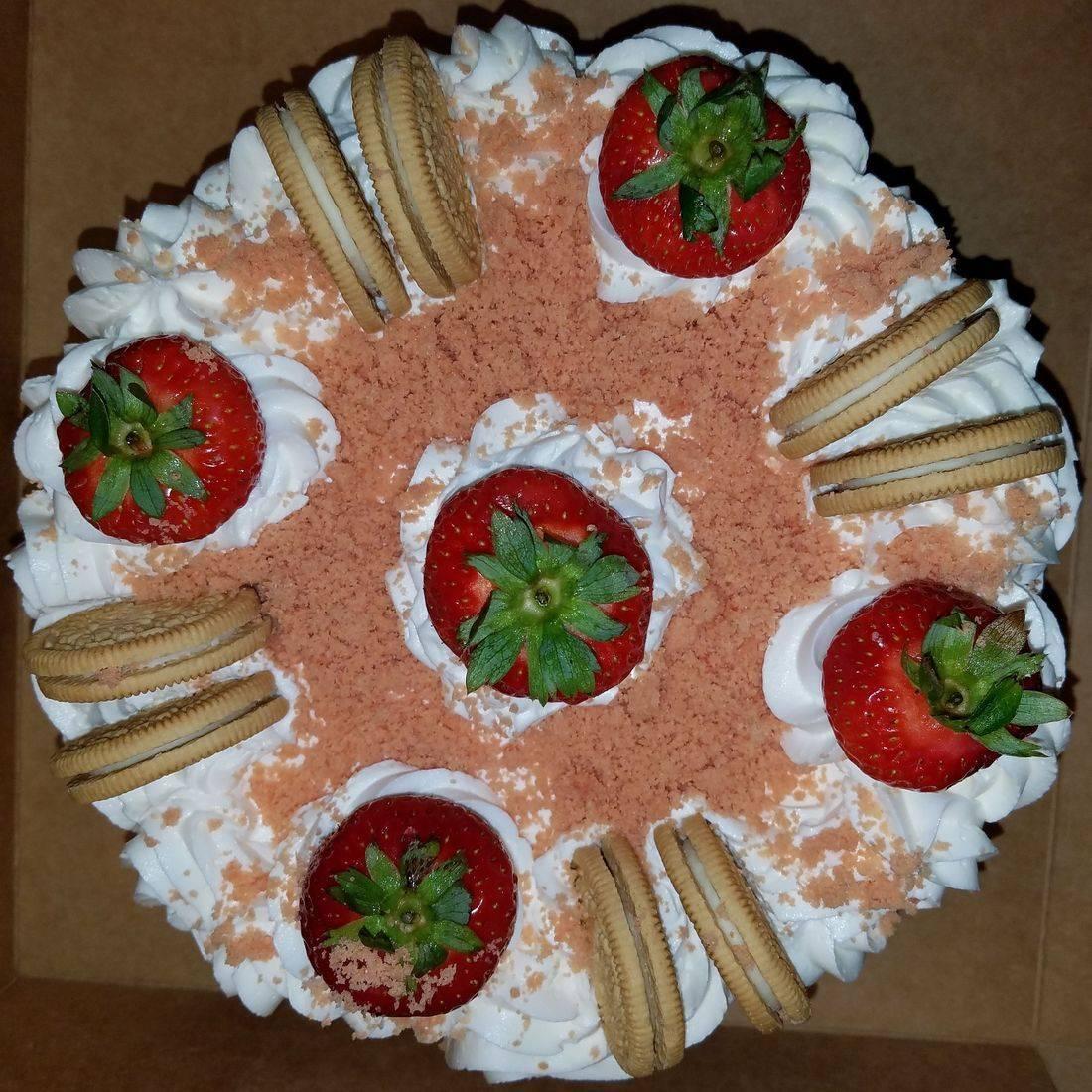 Strawberry Crunch Shortcake Cake