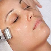Galvanic iontophoresis anti ageing skin treatment