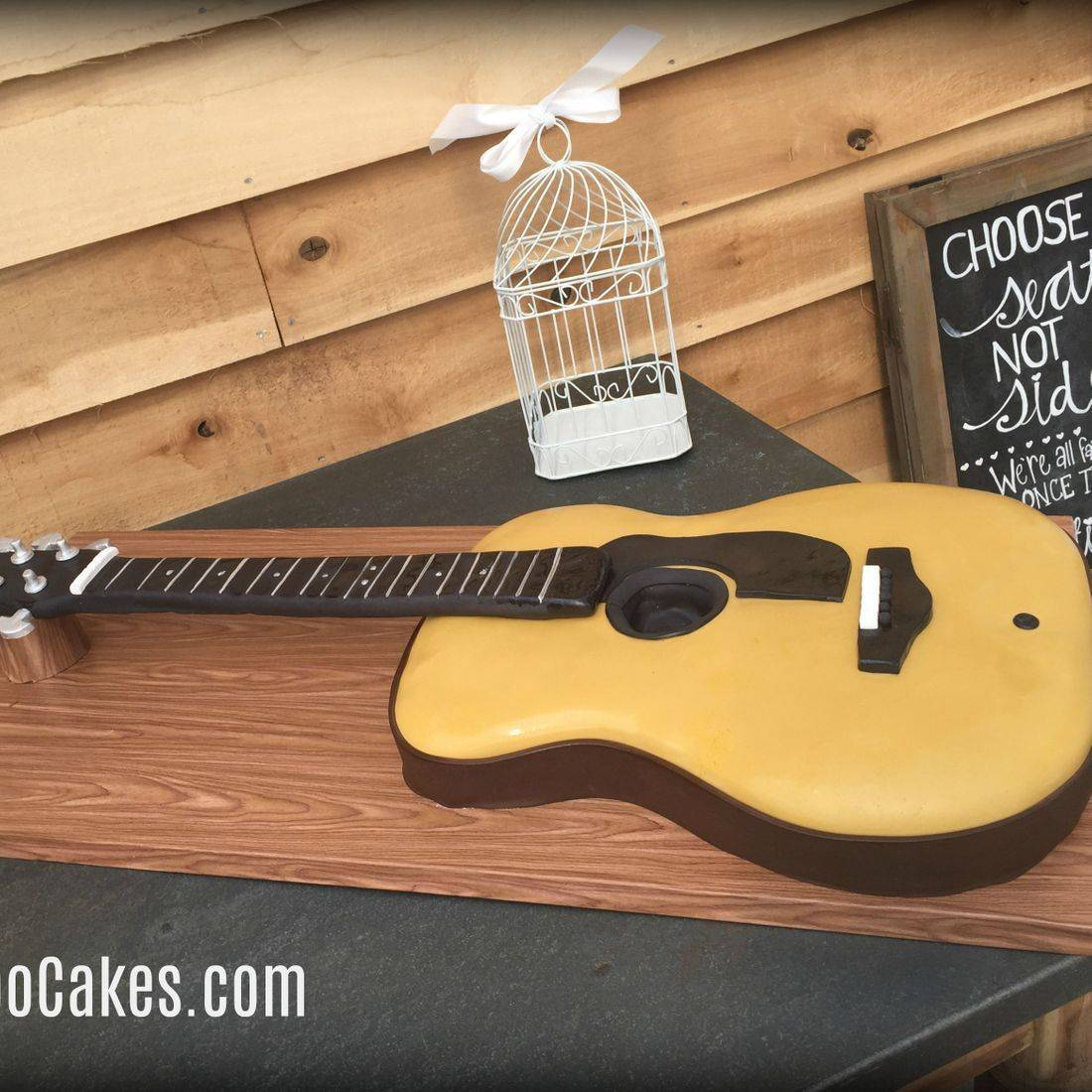 birthday cake 3d guitar