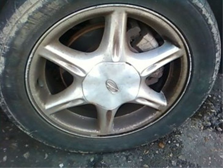 rim rust removal (before)