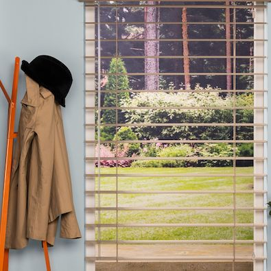 Hunter Douglas aluminum blinds can be part of casual summer decor.