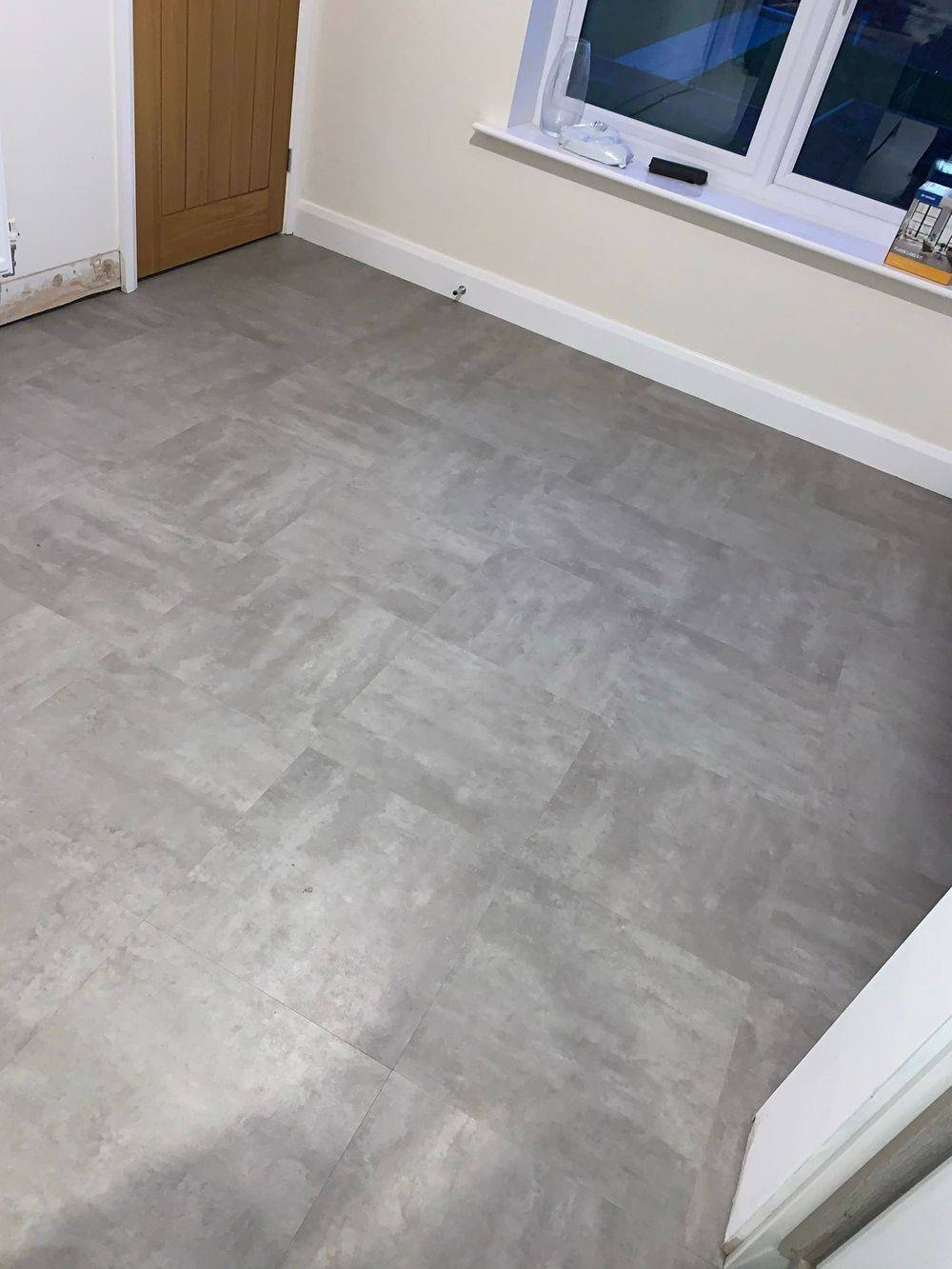 LVT Distinctive Flooring Wolverhampton Kitchen Lounge Family Room