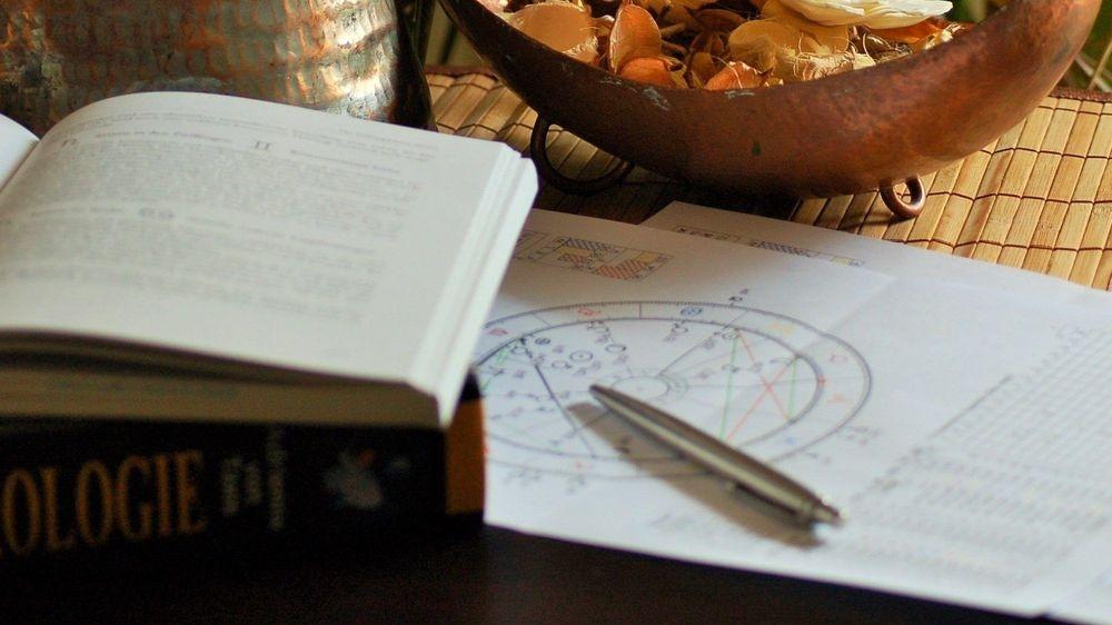 Comment devenir Astrologue avec François BArthomeuf