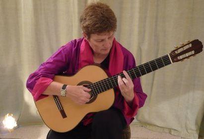 Classical Guitarist, Live Music, Entertainment Guitar lessons.  Guitar Sheet Music
