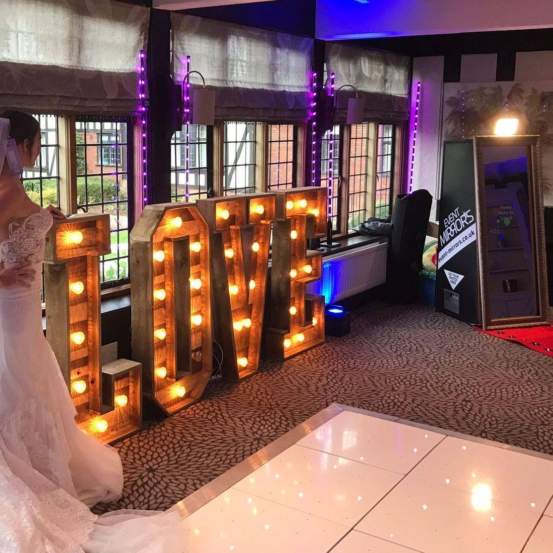 Photoboth MagicMirror Led Love Letters DanceFloor