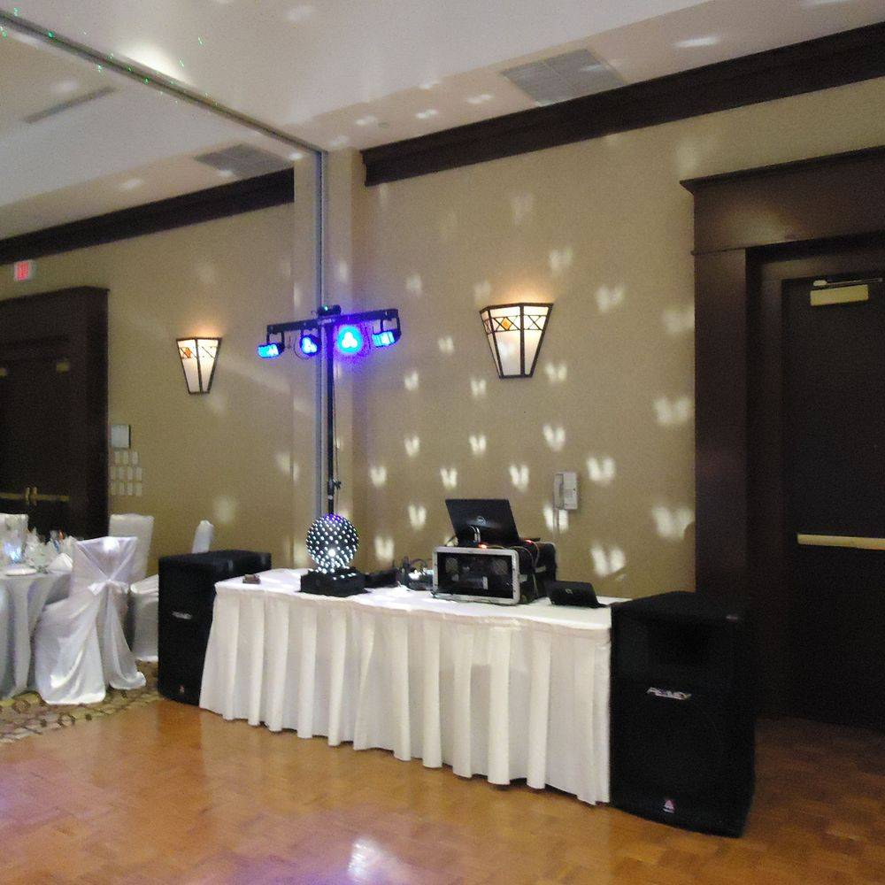 Wedding DJ in Niagara Falls