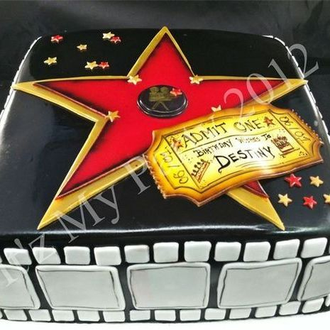 Custom Hollywood Star Birthday  Cake Milwaukee