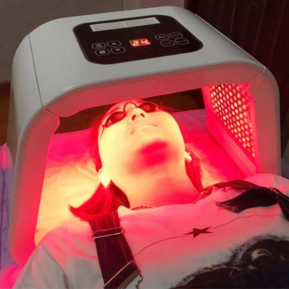 Red LED light therapy, anti-ageing, phototherapy, creativity beauty solutions Reading