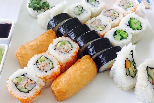 This is a sushi roll platter