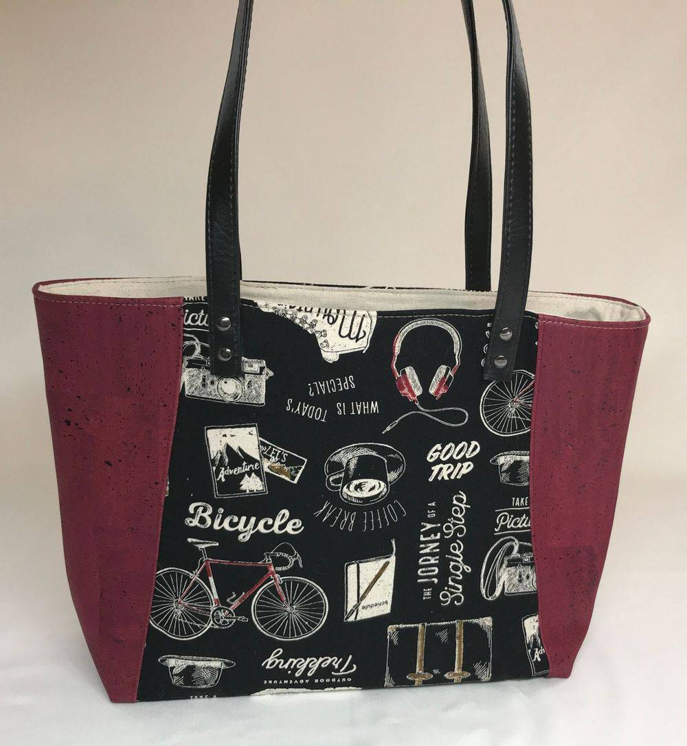 Vegan friendly tote bag with cork fabric