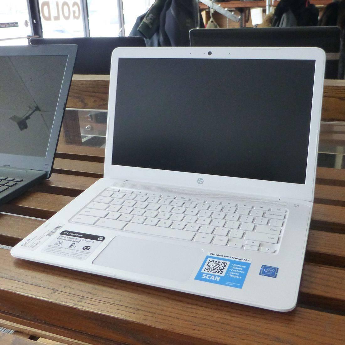 White HP 14 Chromebook Laptop