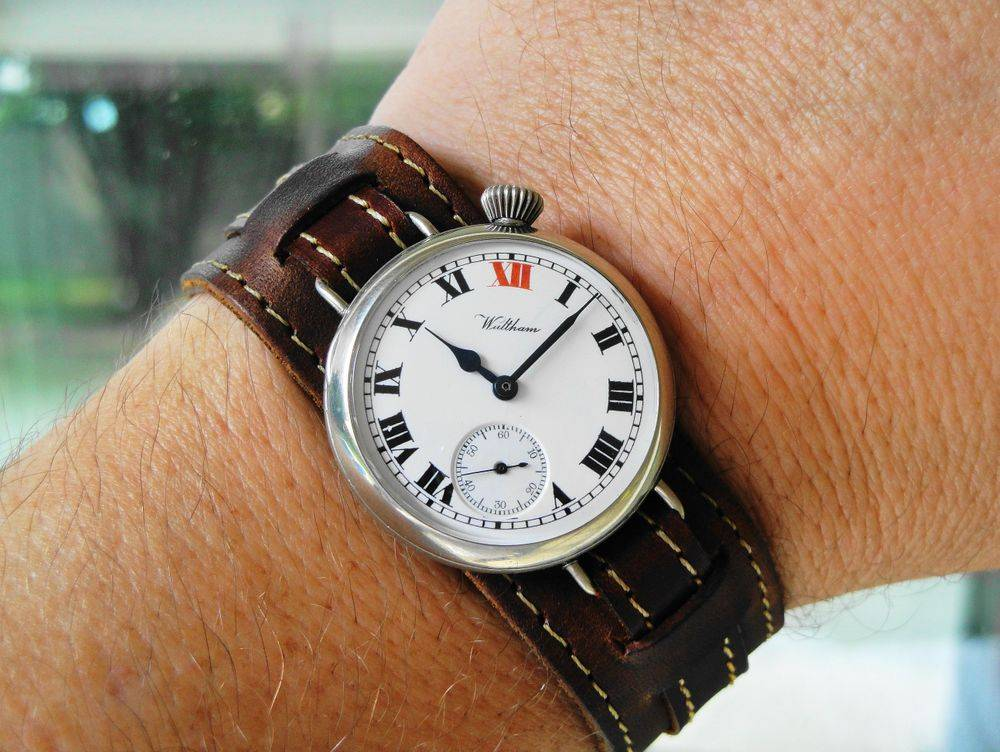1915 WWI OFFSET CROWN Waltham RED XII Trench Watch, Philadelphia Silverode Case, Original Factory Crown, BIG Size 0s Version, 15 Jewels, LARGE FONT BOLD Roman Numeral RED XII Enamel Dial, Blue Steel Hands, Dark Brown Leather Kitchener Strap