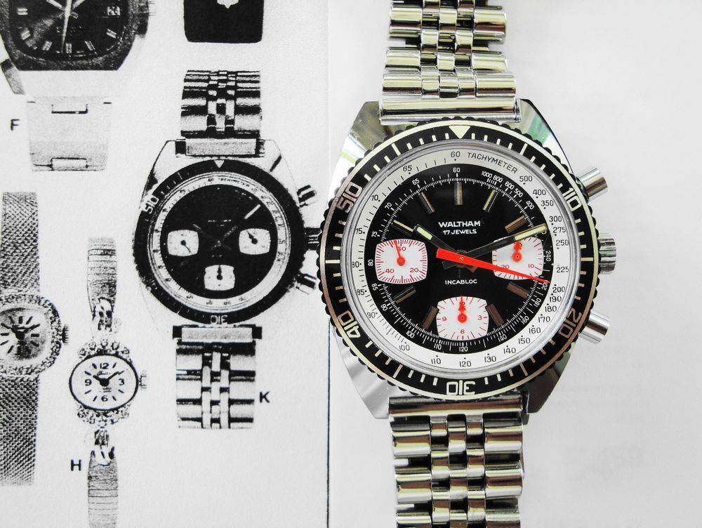 39mm 1974 Vintage Waltham Chronograph Tachymeter Dive Watch, Valjoux 7736 Movement, 17 Jewels, Reverse Panda Black Dial, Rotating Bezel, Stainless Steel Jubilee Style Bracelet & Black Leather Strap, Serviced, Perfect Working Order