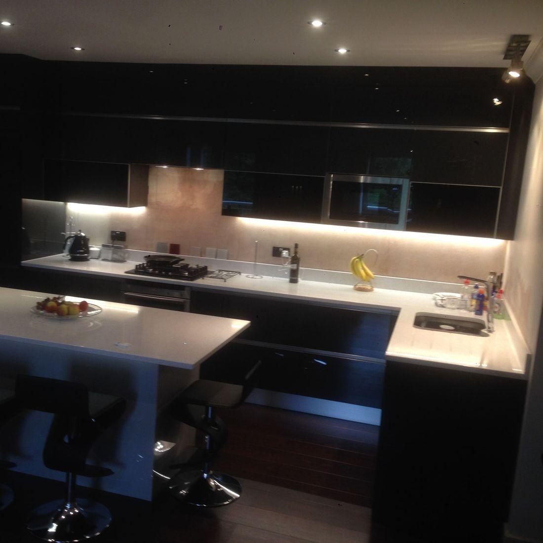Black High Gloss Quartz Worktops