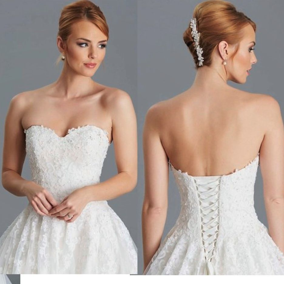 sweetheart bodice, lace-up back, ballgown tulle skirt