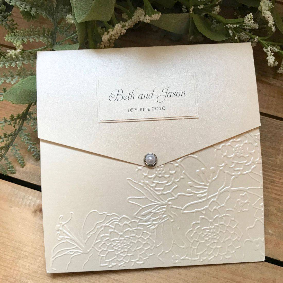 IWedding Invitation with pearl