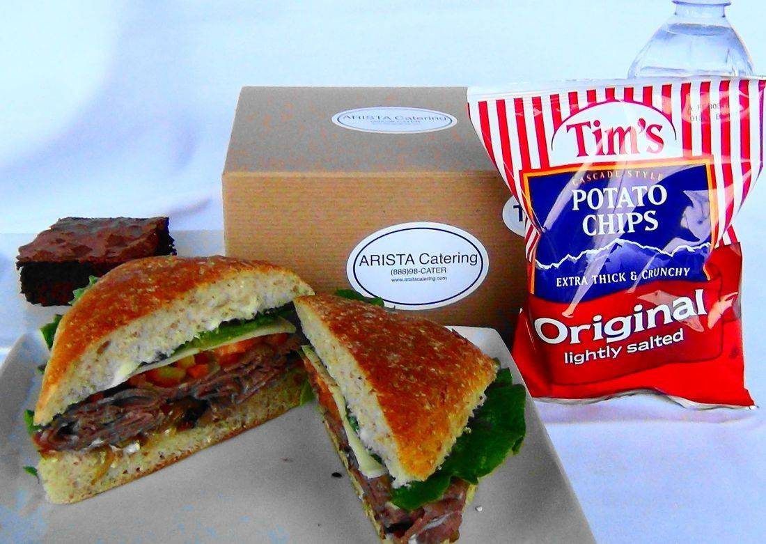 Roast beef sandwich box lunch
