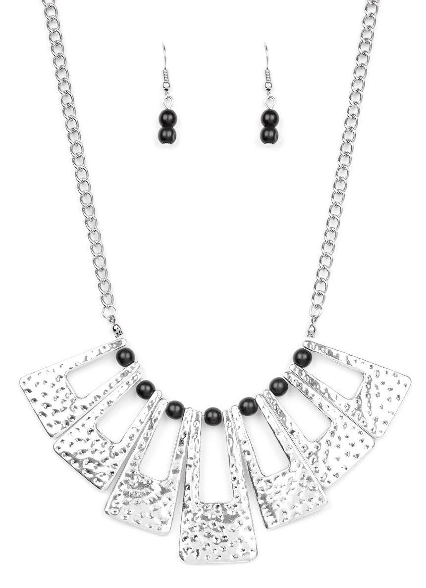 Paparazzi Terra Takeover necklace black
