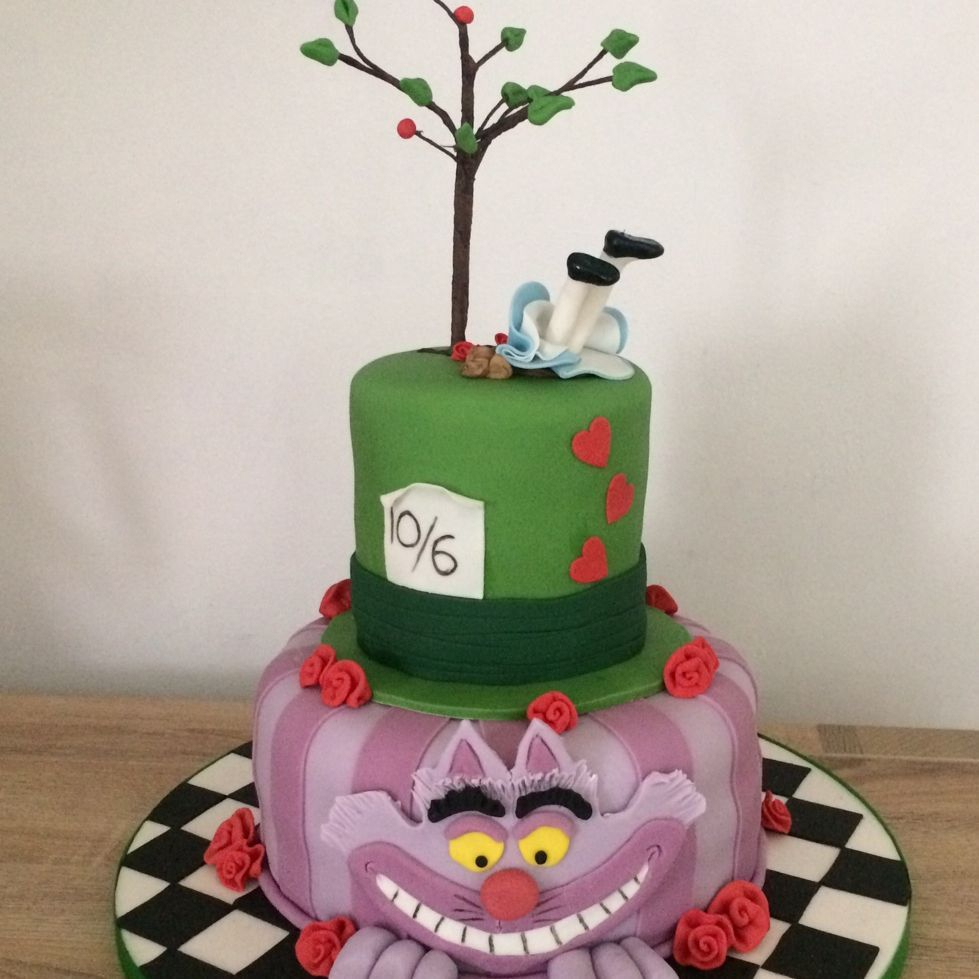 Novelty Mad Hatters Cheshire Cat Alice in wonderland wedding cake Fabu-Lous Cakes