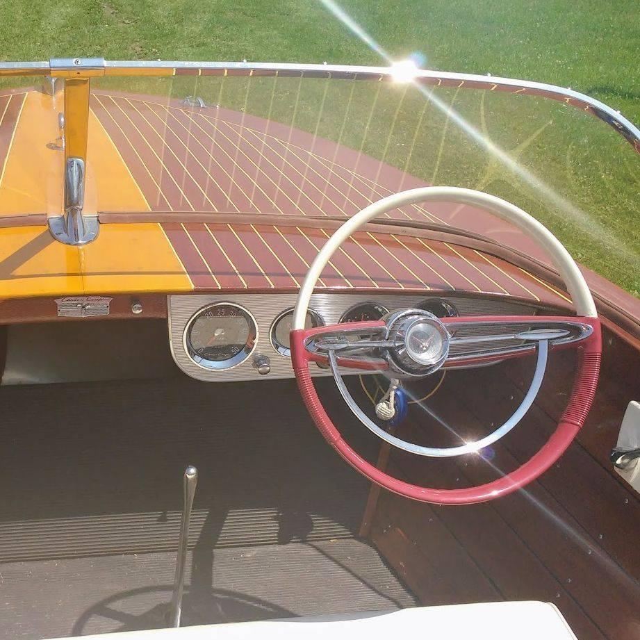 1959 17' Chris Craft Ski Boat