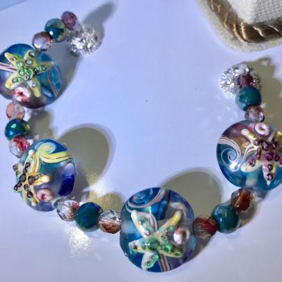 Ocean themed starfish bracelet, glass bead starfish bracelet, spun glass beaded bracelet, starfish bracelet