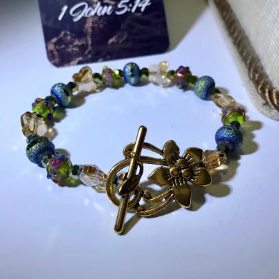 butterfly bracelet with brass toggle, butterfly swarovski crystal bracelet, women crystal bracelet, womens cupcake bead bracelet,  blue frosted swarovski bracelet