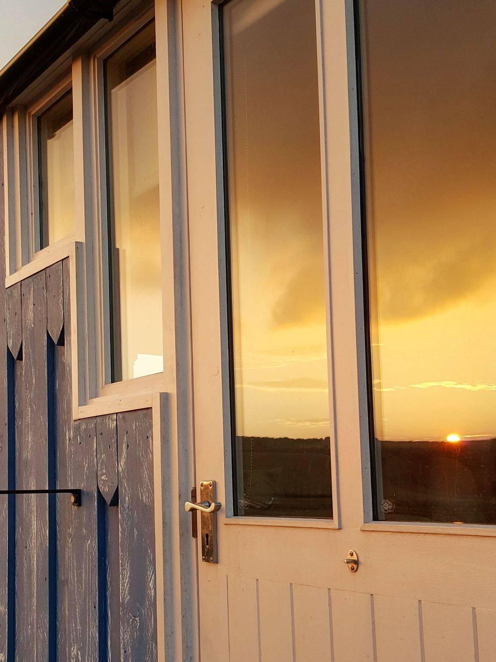 Quriky Hut Windows
