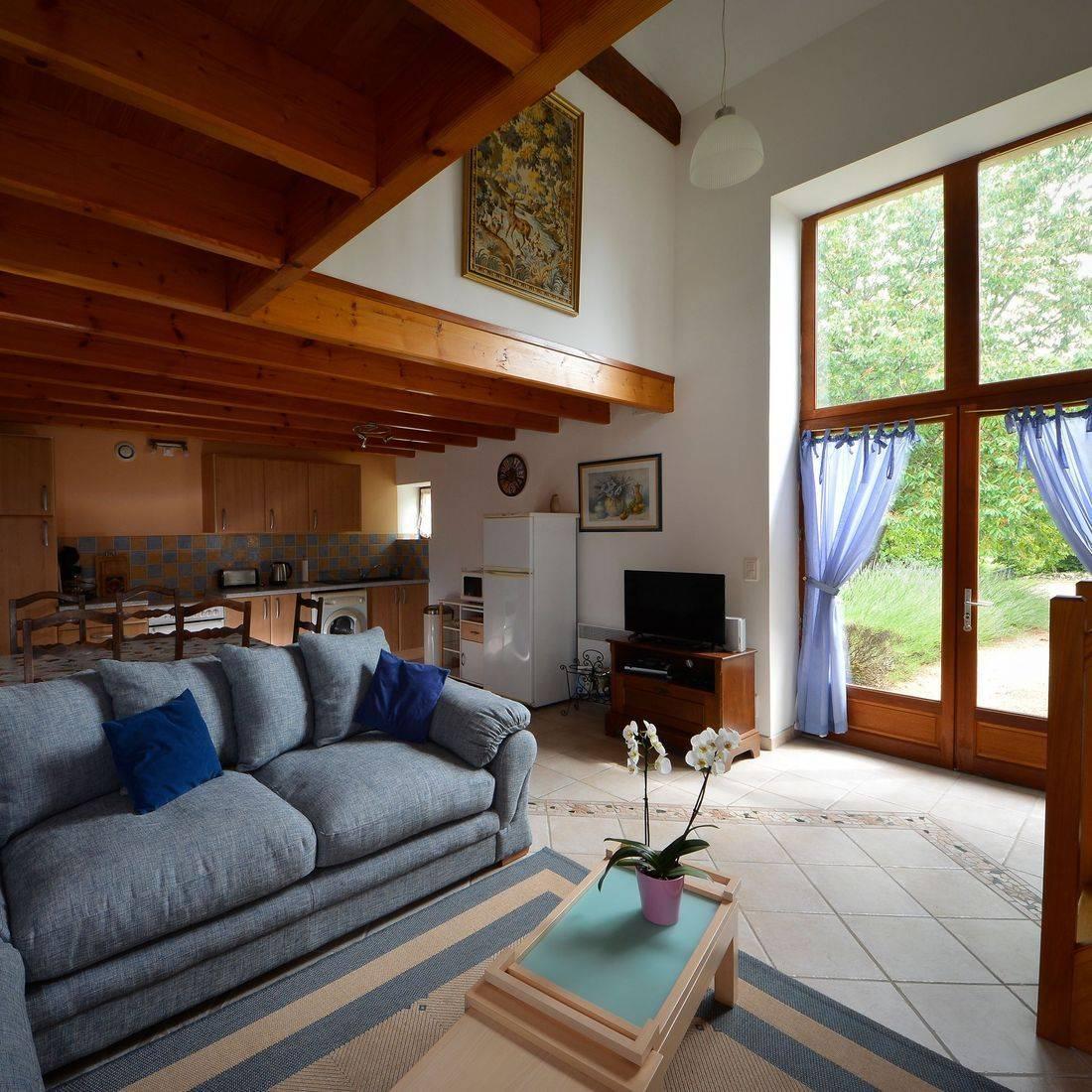 L'Hirondelle sitting room