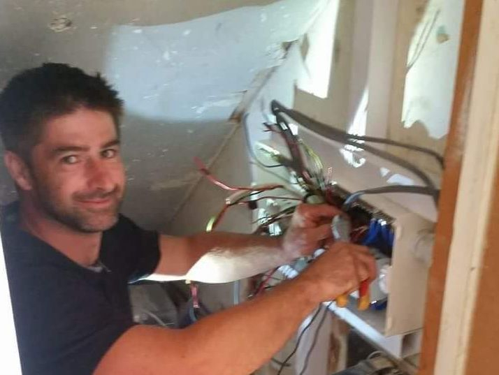 Havant electrician, petersfield electrician, simon bowers, hampshire electrician
