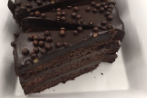 Dark Chocolate crunch cake by ARISTA