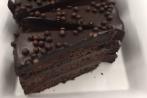 Dark Chocolate crunch cake by ARISTA