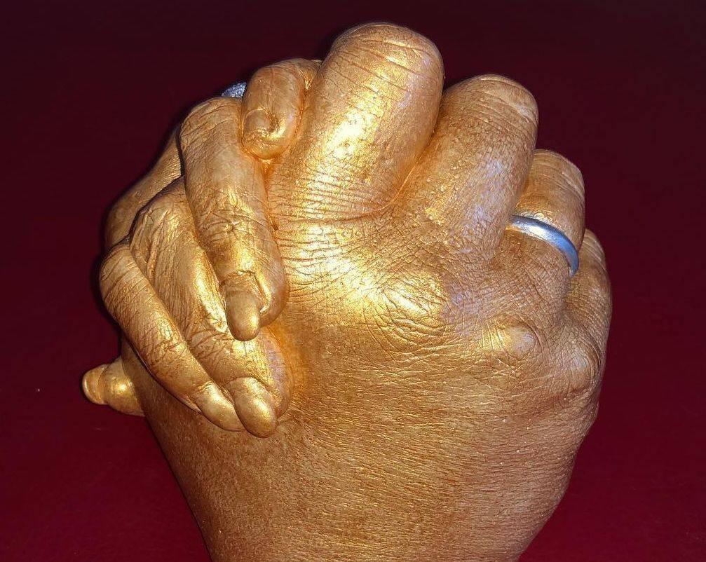 Clasp hand