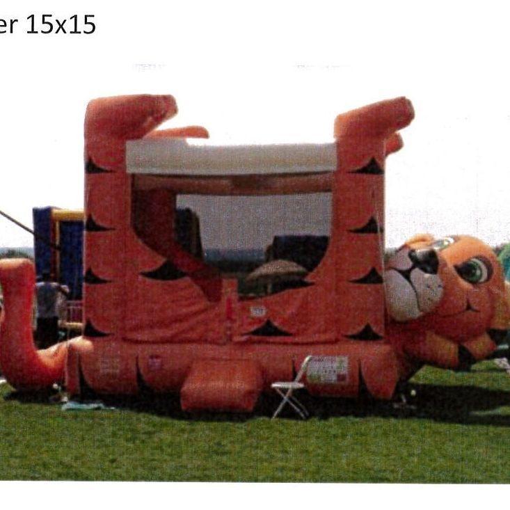 Tiger Jumper 15'x15'